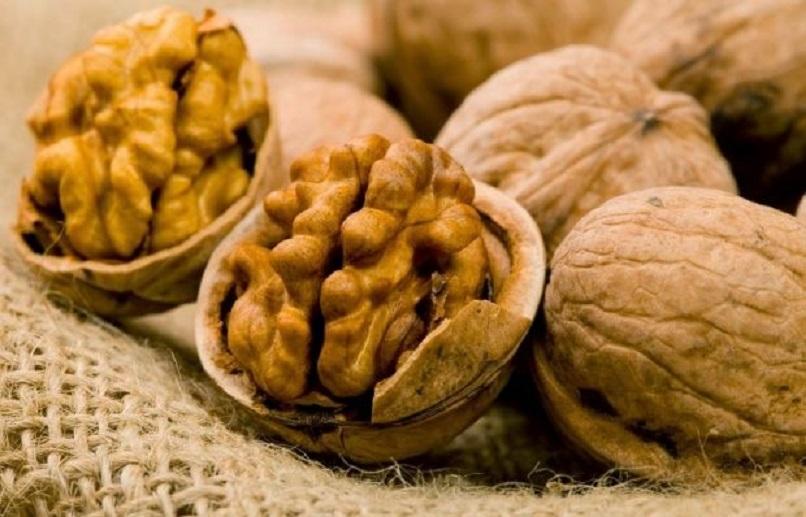 Плесень и мышьяк  в грецких орехах выявила экспертиза Росконтроля