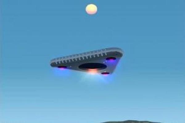 НЛО в виде V-образного облака пролетел в ясном небе над Невадой