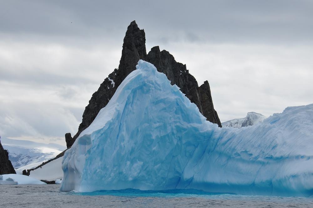 В Антарктиде обнаружено поразительное строение, ученые в замешательстве