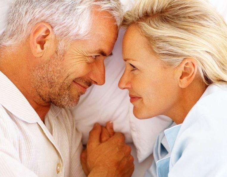 Еженедельный секс влияет на продолжительность жизни мужчин - ученые