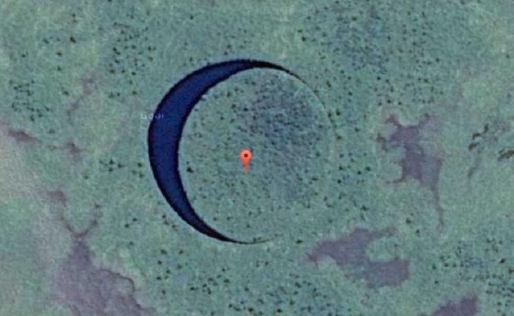 Идеально круглое озеро в Аргентине - загадка природы или вход в подводную базу инопланетян?