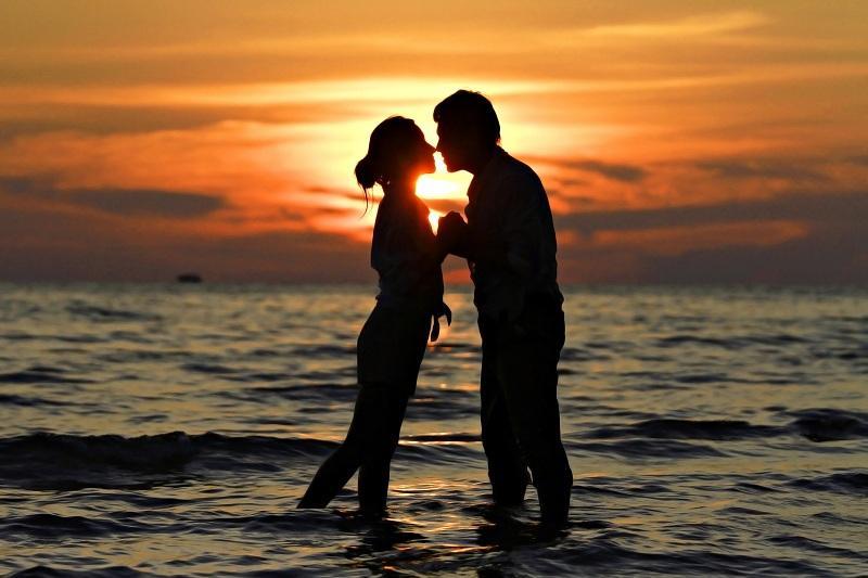 Пары по знаку Зодиака, которые будут любить друг друга до конца дней