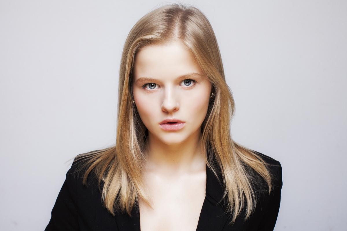 Актриса Александра Бортич связала себя узами брака с актером Ильей Маланином