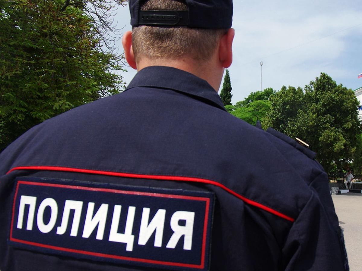 Мужчина ножом нанёс смертельные ранения полицейскому в Сургуте
