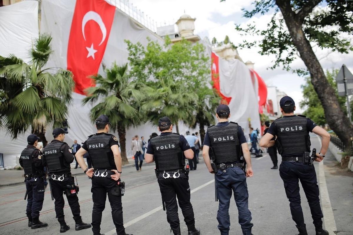 Белорусский дипломат тяжело ранен в Турции