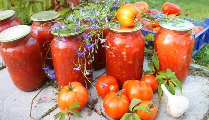 Осенние заготовки: рецепт помидоров, маринованных в собственном соку