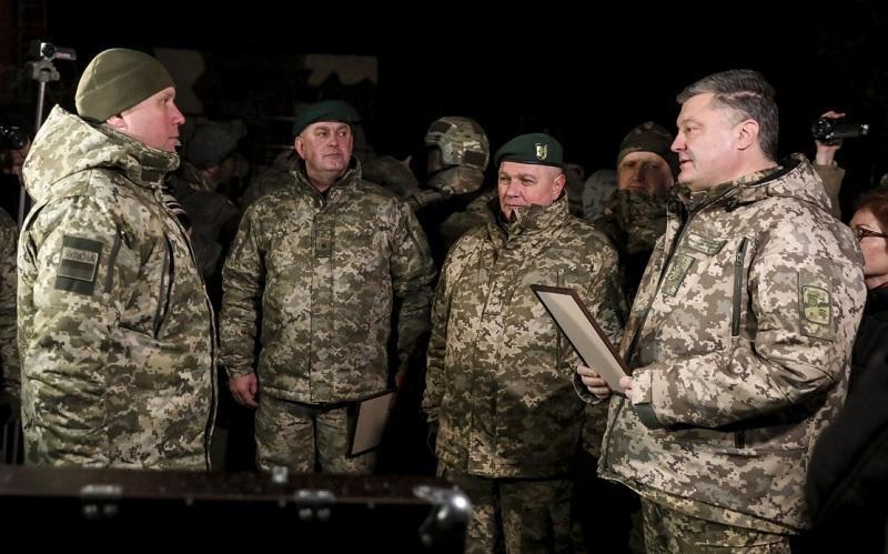Украинский журналист рассказал о причастности Запада к введению военного положения на Украине