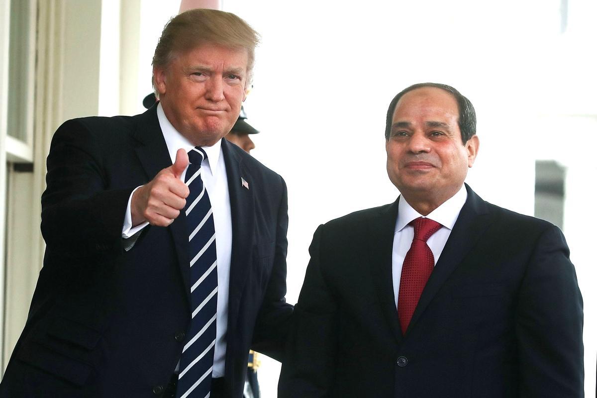 """Трамп назвал президента Египта """"любимым диктатором"""""""