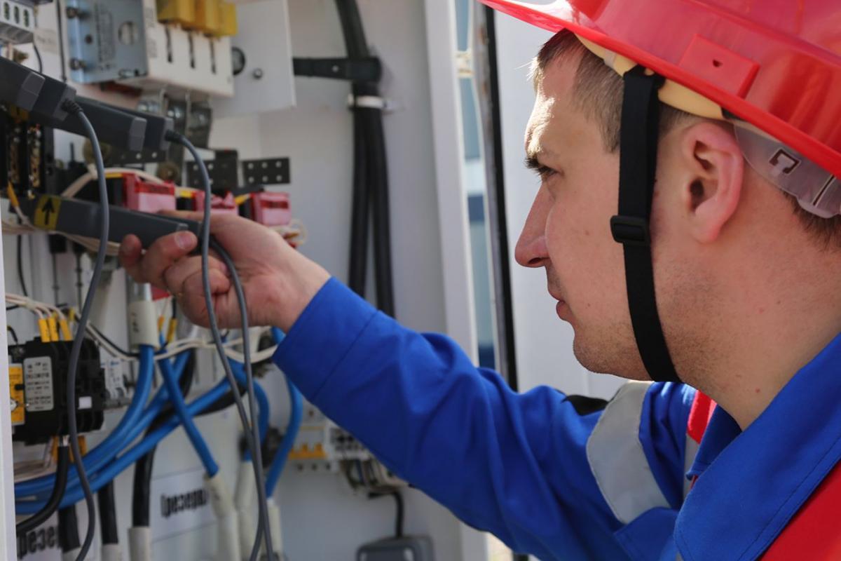 В России увеличился штраф за за повторное воровство электричества