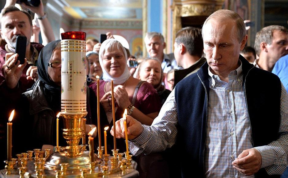 На Валааме Путин помолился о погибших в Сирии летчиках