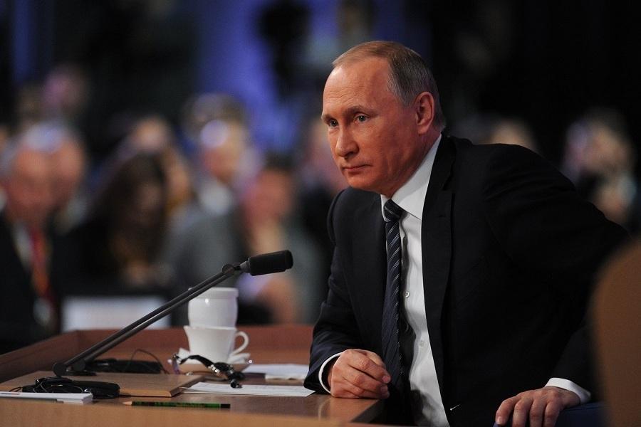 Впроцессе  выступления Владимира Путина  насловах про «доверительные отношения» навсе 100%  отключился свет