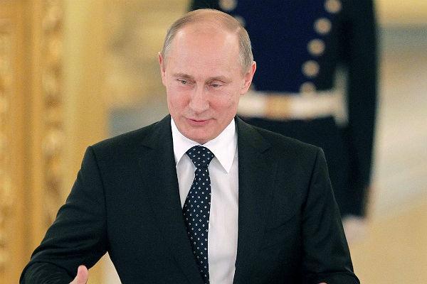 Владимир Путин лицом к лицу «еще больше похож на мачо»