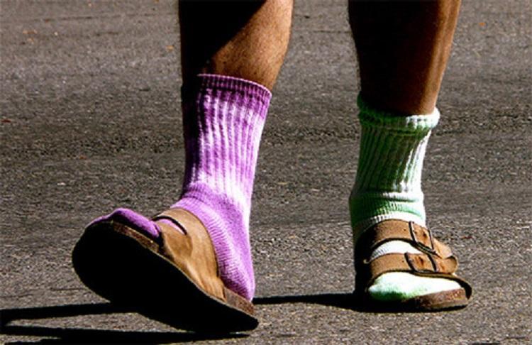 Житель Ессентуков предложил новаторский способ решения проблемы «беспарных носков»