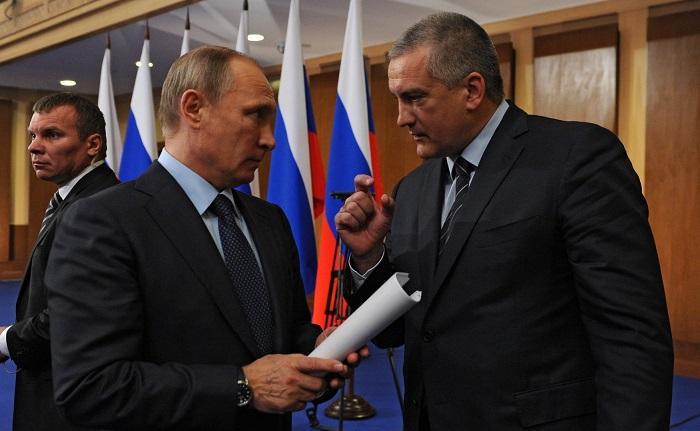 Аксенов напророчил Путину быть пожизненным президентом