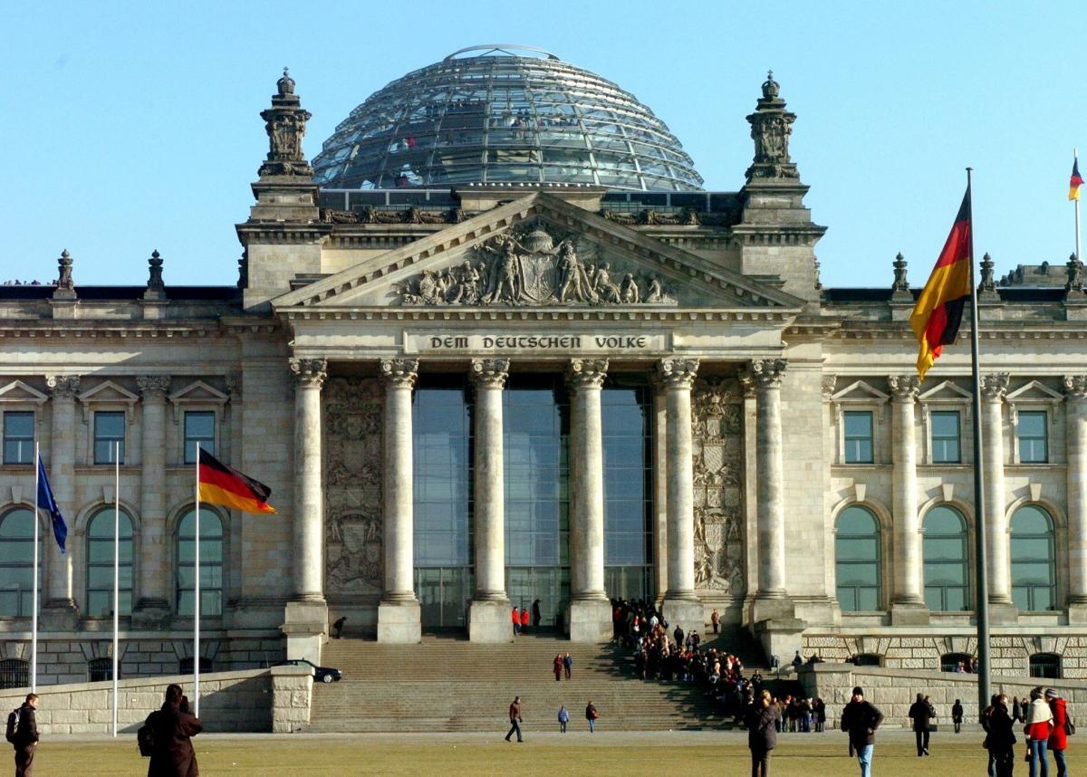 В Бундестаге объяснили, как НАТО должна использовать встречу с Россией