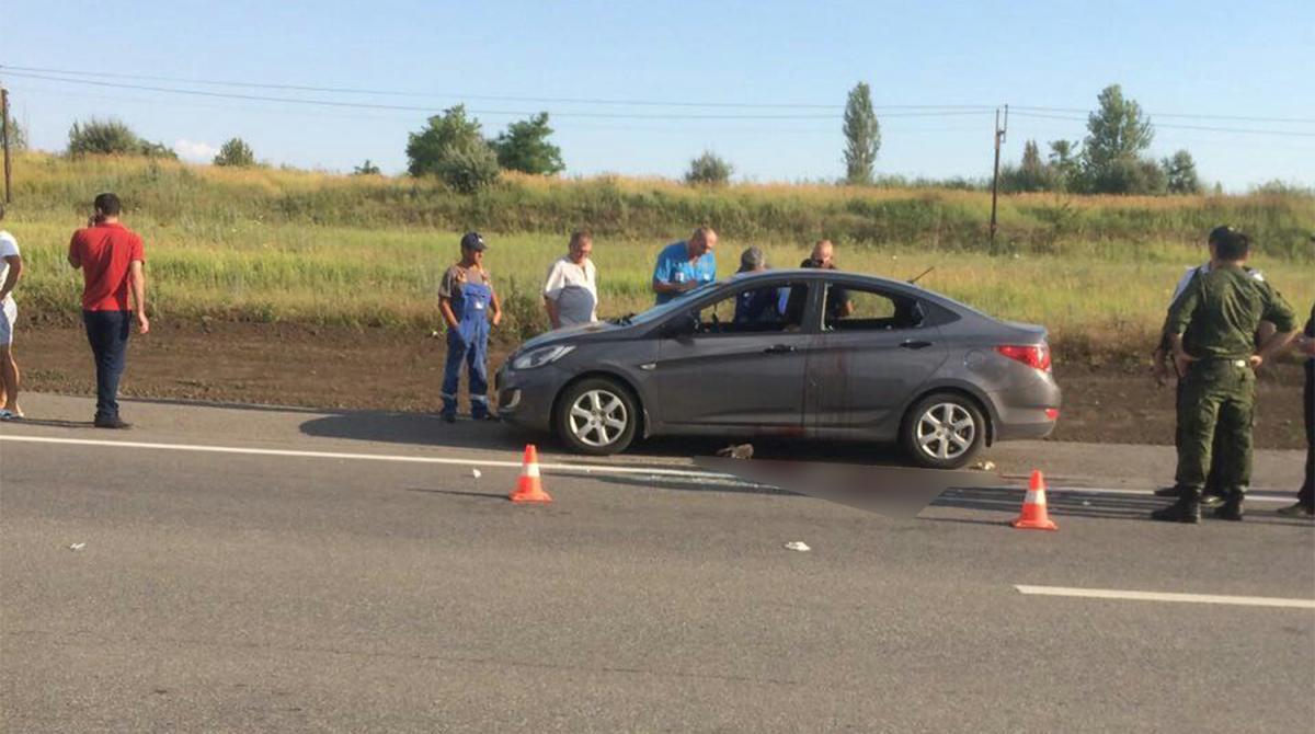 В Ростове полицейский расстрелял машину с бывшей женой и тестем из-за детей