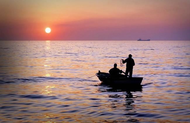 В водах северной Норвегии погибли два российских рыбака