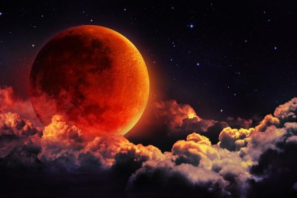 Жителей столицы ожидает полное затмение Луны ивеликое противоборство Марса