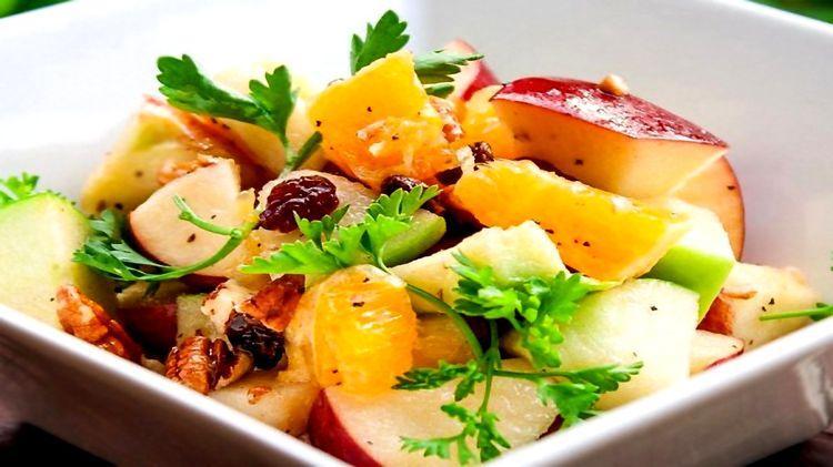 Постный рецепт салата «Вдохновение» с черносливом и грушами