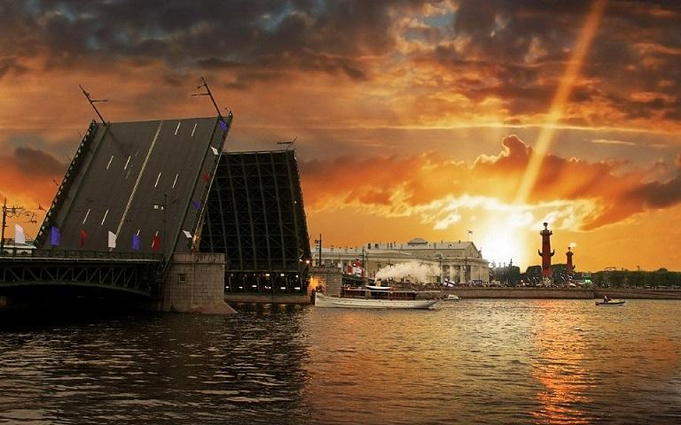 Разрушительное землетрясение в Петербурге предсказал российский ученый
