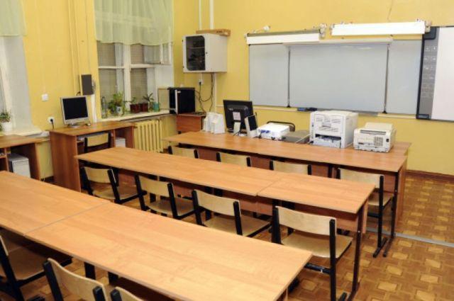 Минобрнауки проверит школу, из которой отчислили больную онкологией девочку
