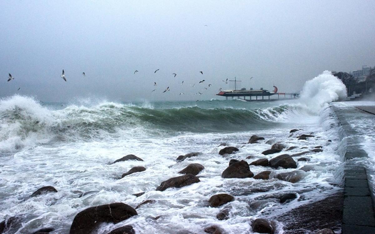 В Крыму во время шторма погибли шесть человек