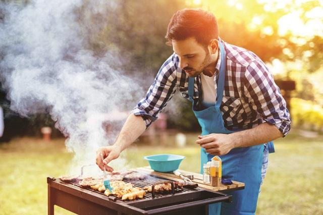 Как правильно готовить шашлык, рассказали в Минздраве