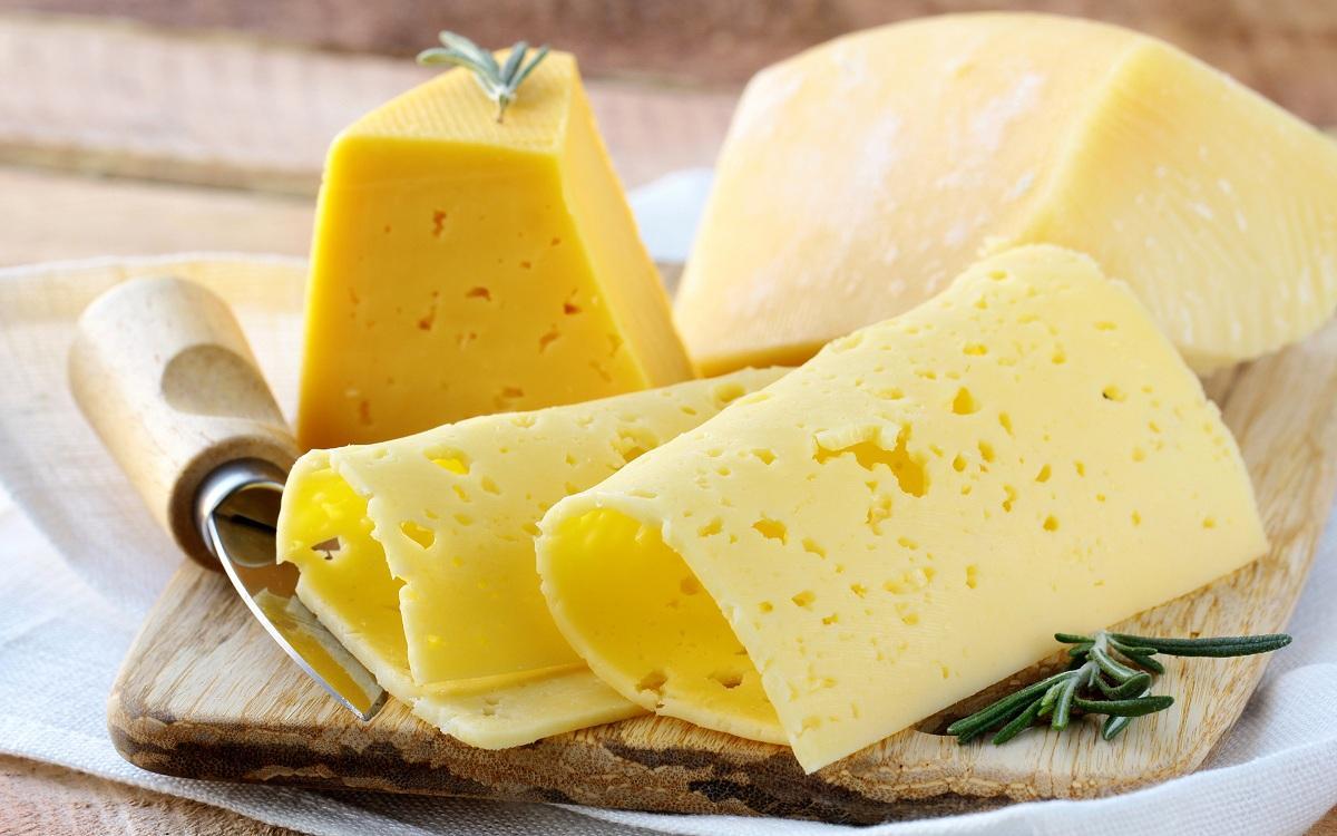 Росконтроль проверил Пошехонский сыр, названы лучшие производители