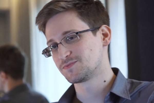 Агент Сноуден