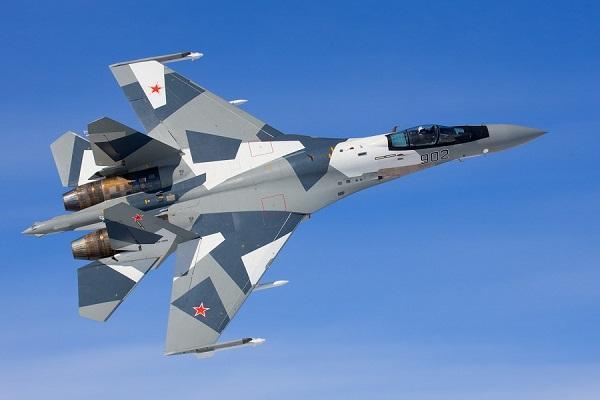 ВСША учебные самолеты условного противника перекрасили под Су-35