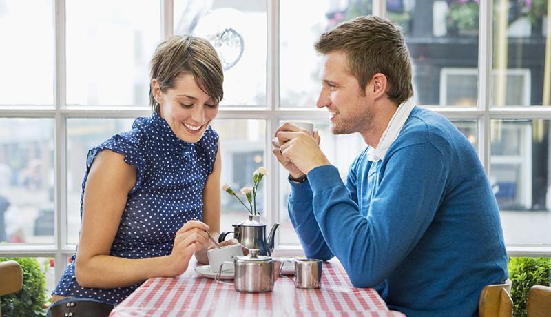 Как справится с волнением на первом свидании, рассказали психологи