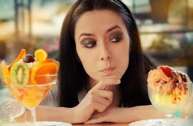 Диетологи назвали самое полезное мороженое
