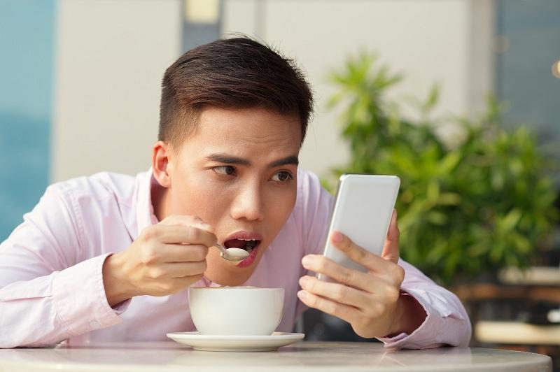 Знаки Зодиака, которые болезненно зависимы от социальных сетей