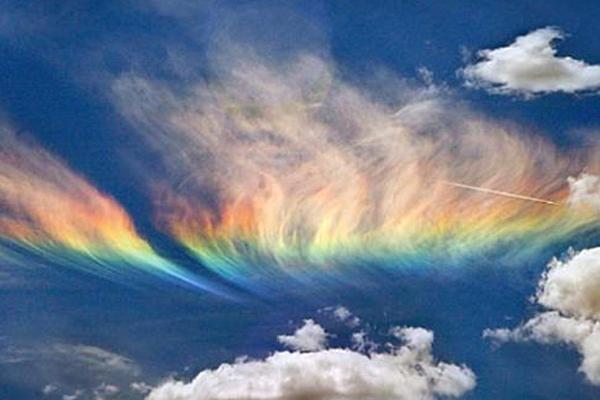 Над США засияли серебристые облака