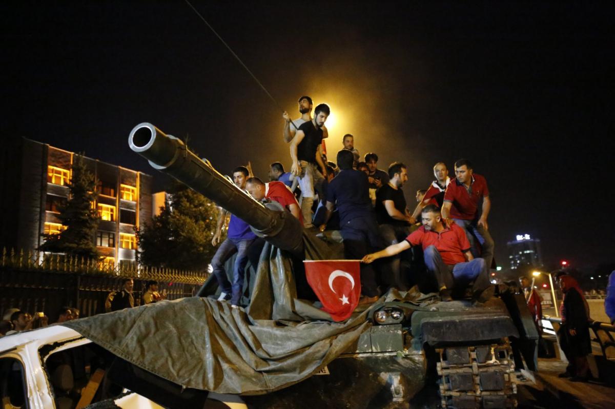 Для турецких мятежников будет создано «кладбище для предателей»