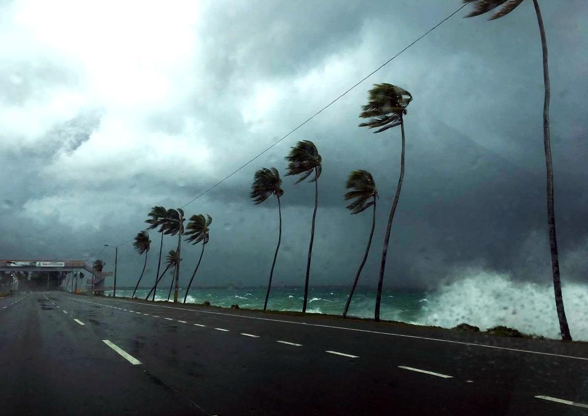 """Пять человек стали жертвами мощного урагана """"Дориан"""" на Багамах"""