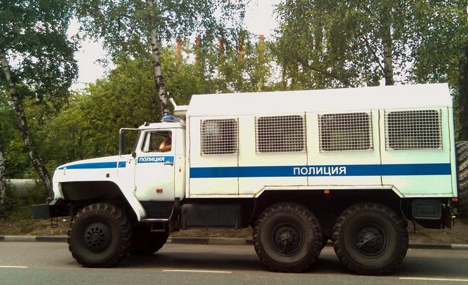 ВДагестане фургон «Урал» ссотрудниками МВД попал вДТП