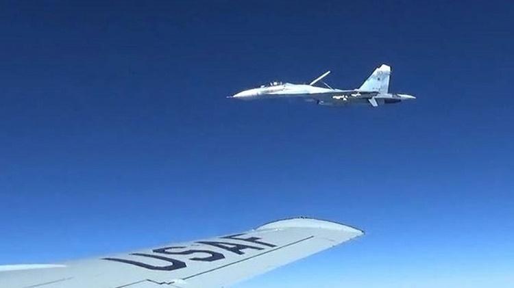 Перехват американского самолёта Су-27