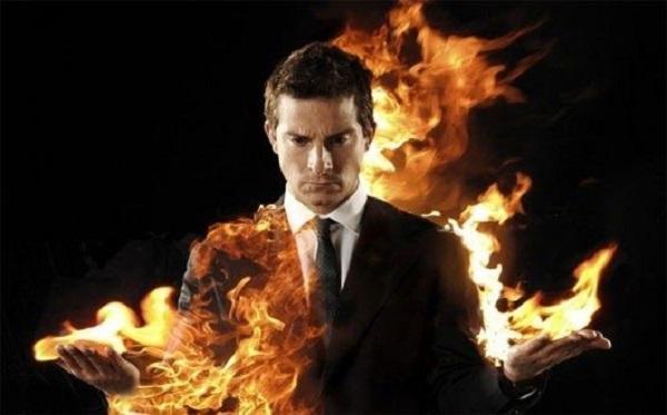 мужчина в огне
