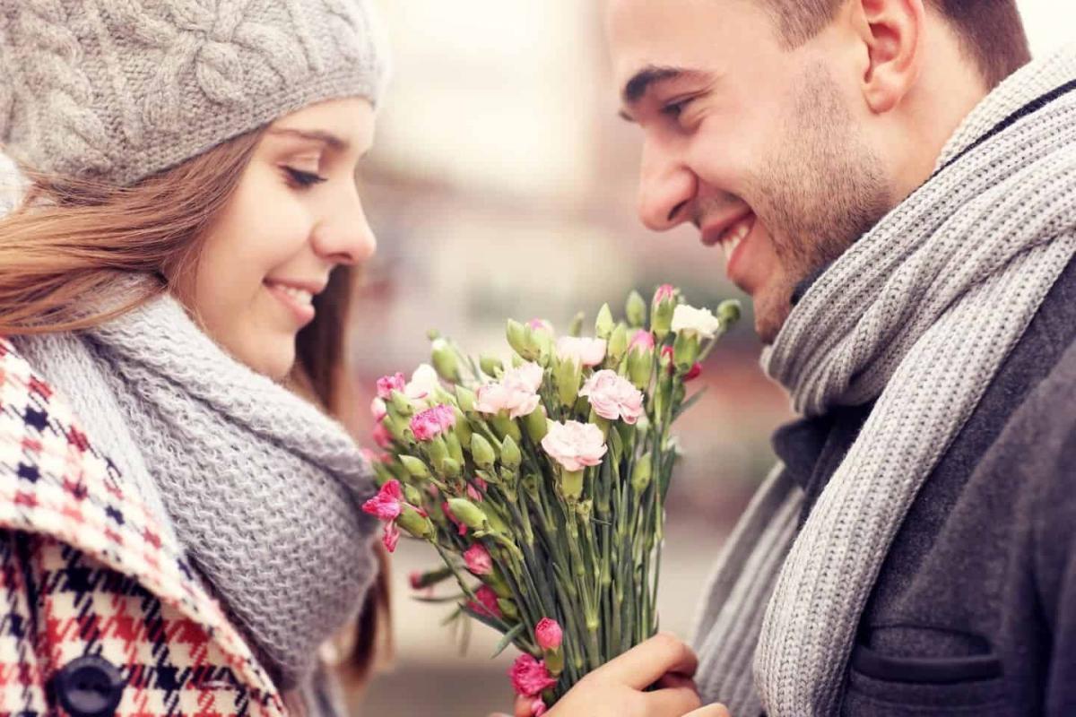 Психологи рассказали, как выяснить, кто в паре больше любит свою половинку