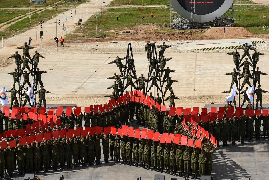 В Подмосковье зрители наблюдали захватывающую церемонию открытия Армейских игр 2016