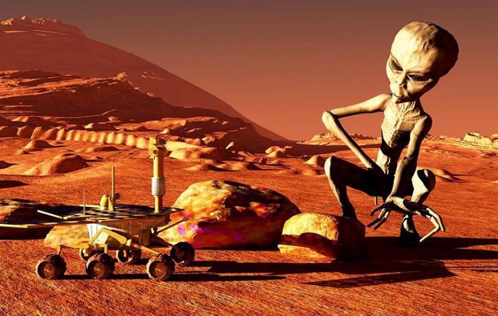 Уфологи: инопланетяне оставили наМарсе загадочные знаки