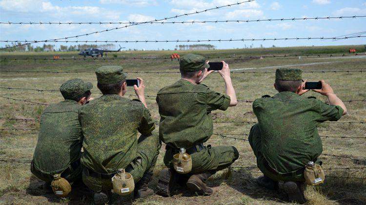 Российским военным запретили публиковать свои данные во время службы