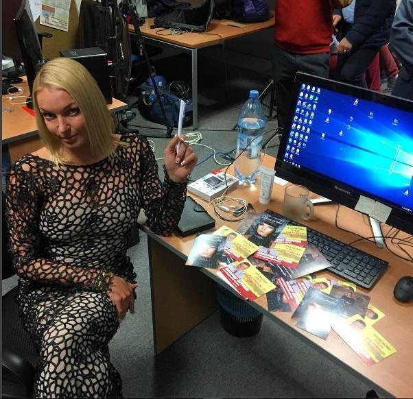 Анастасия Волочкова  в «голом» платье  сделала «справедливый выбор»