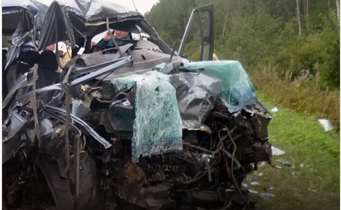 В Кировской области в жутком лобовом ДТП погибли 6 человек