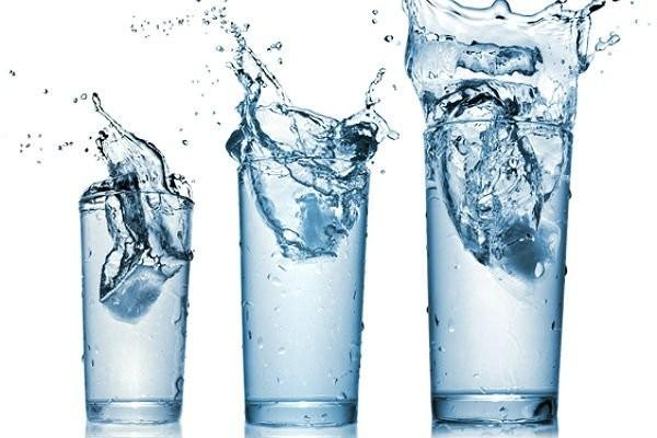 Теория «восемь стаканов воды в день» поставлена под сомнение — ученые