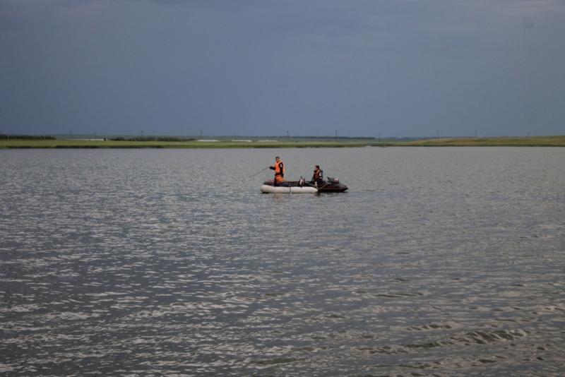 Спасатели на озере Максимка