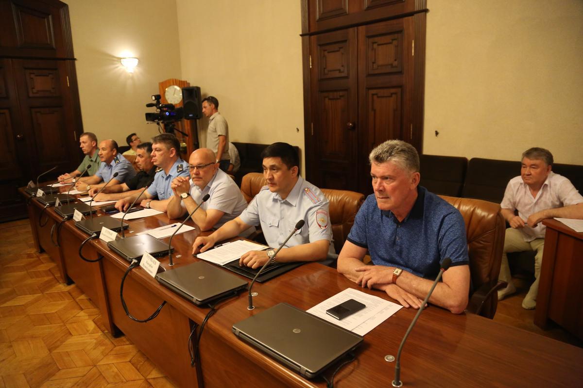 Александр Жилкин на совещании
