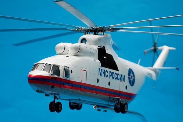 В Москве горящий склад помогают тушить вертолеты