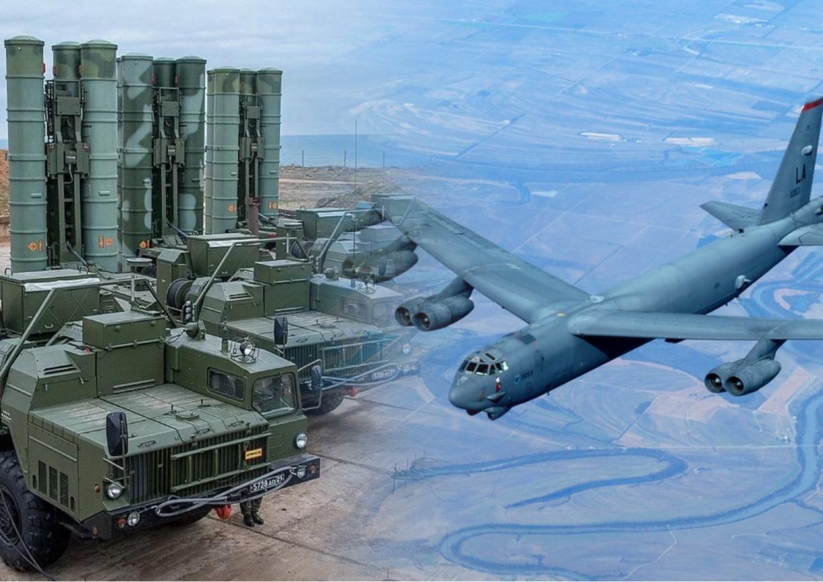 "ЗРК С-400 ""Триумф"" и B-52H Stratofortress"